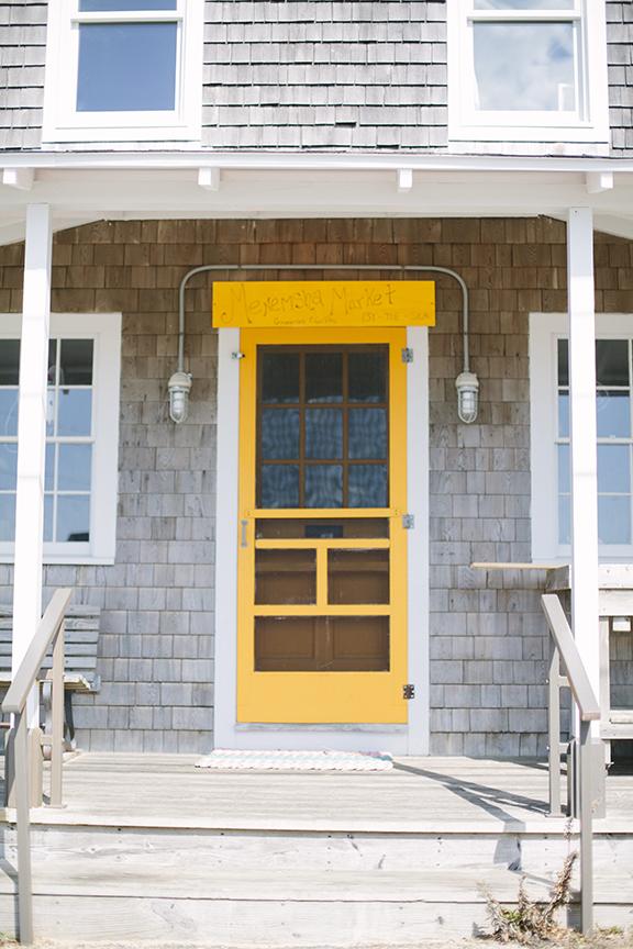 Martha's Vineyard shops with yellow door
